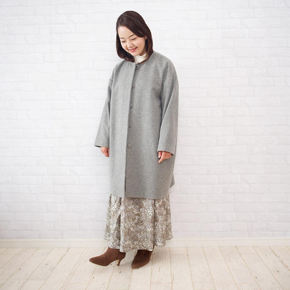 カシミアコクーンコートを150cmの小さいさんが着る場合は、スカートでもパンツでもOK